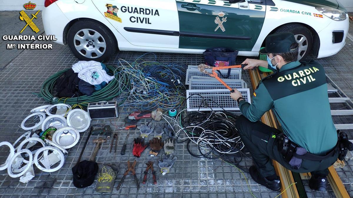 El material recuperado por la Guardia Civil