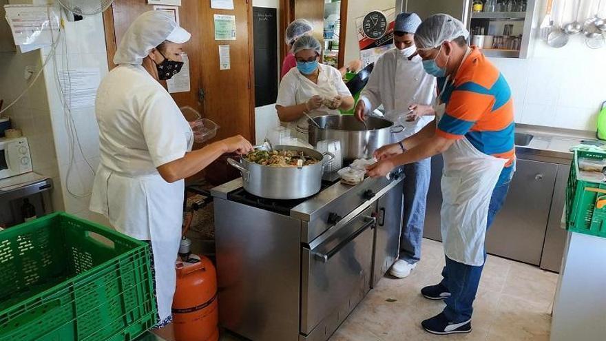 Cajasur colabora con Prolibertas en la adaptación de su comedor social