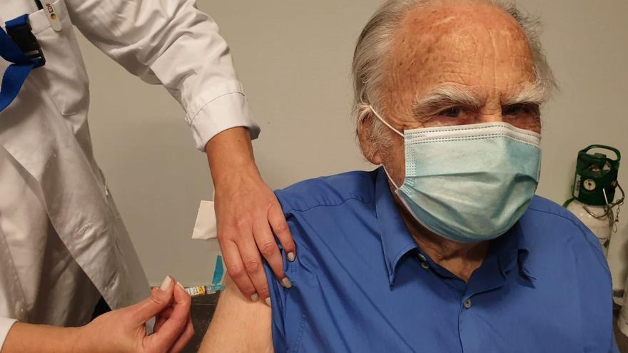 Galicia inicia la doble vacunación de gripe y COVID
