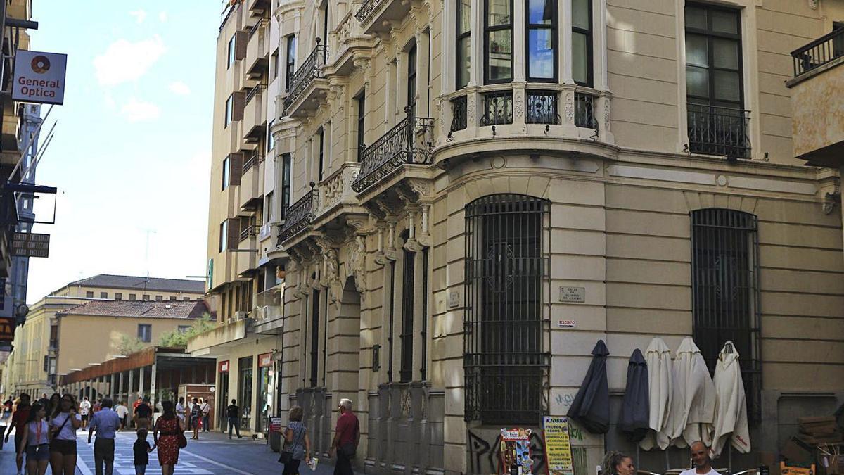 Edificio de Santa Clara sobre el que Fundos reclamaba parte de la propiedad. | José Luis Fernández