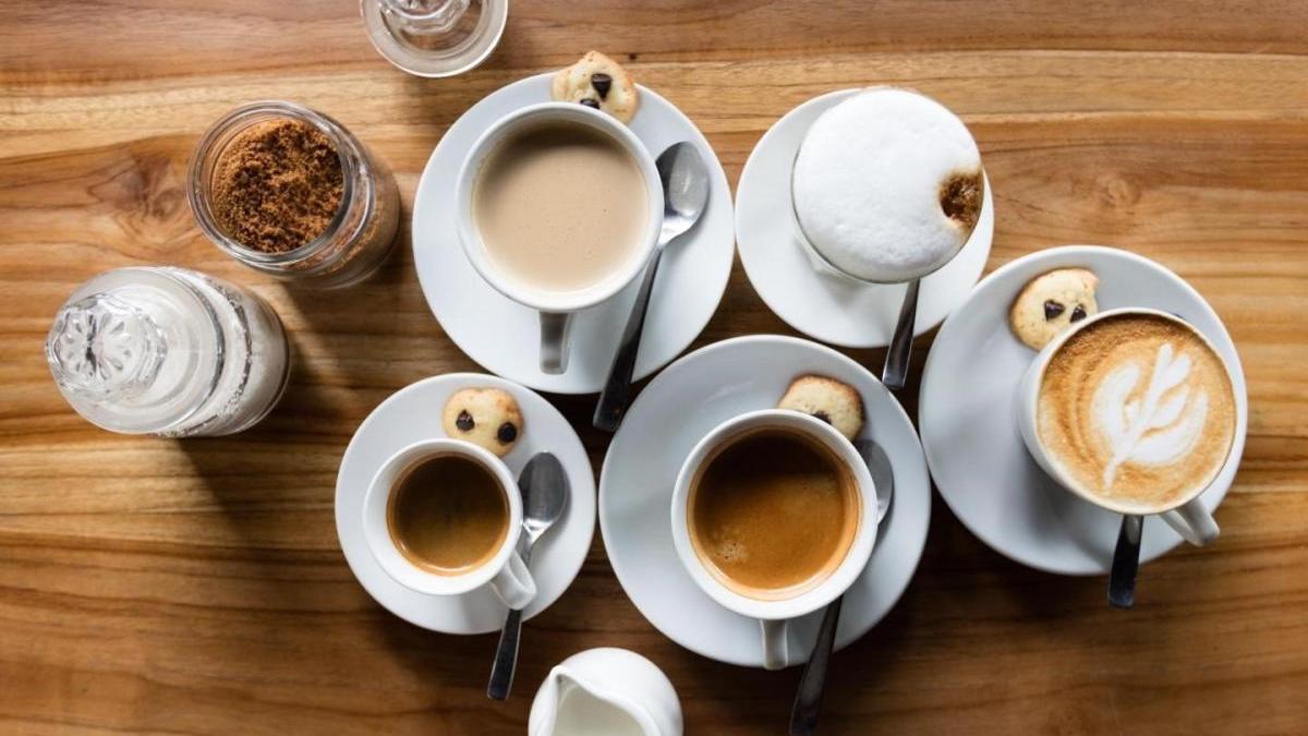 El consumo excesivo de café causa problemas de salud.