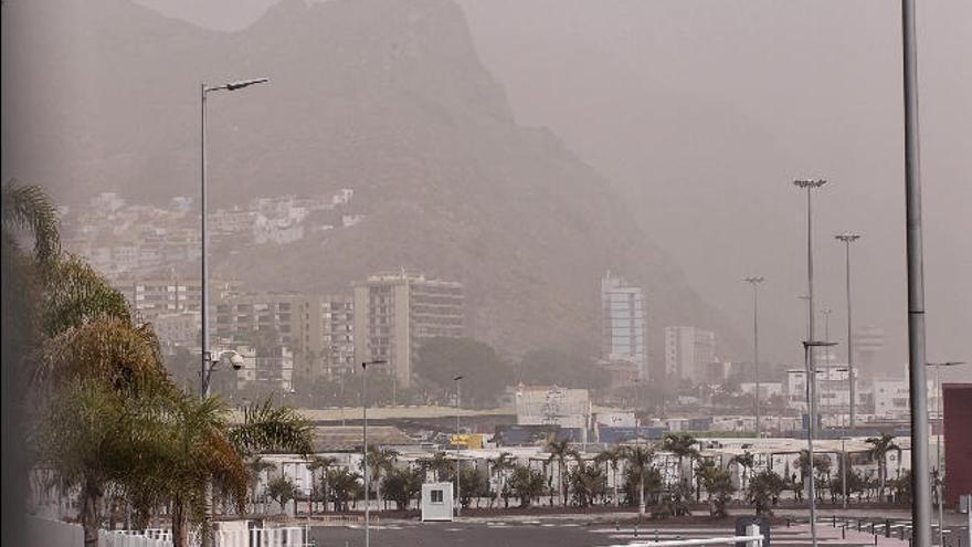 Unidas Podemos plantea la suspensión de actividades al aire libre cuando haya calima