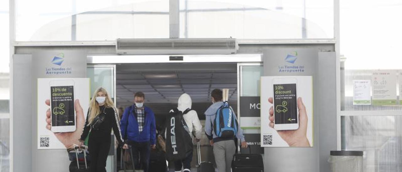 El aeropuerto prevé atender a 26.400 pasajeros hasta el próximo lunes, pero pocos serán británicos. |