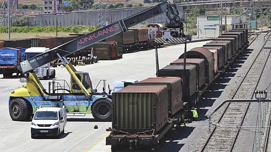 El sector portuario critica las trabas de ERC para frenar las inversiones de la línea Sagunt-Teruel