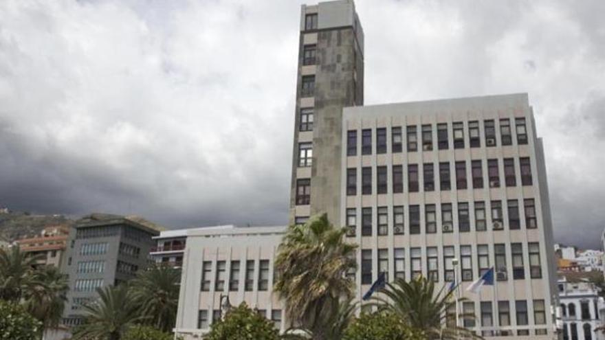 El Cabildo traslada temporalmente la Escuela de Enfermería al CEIP Benahoare