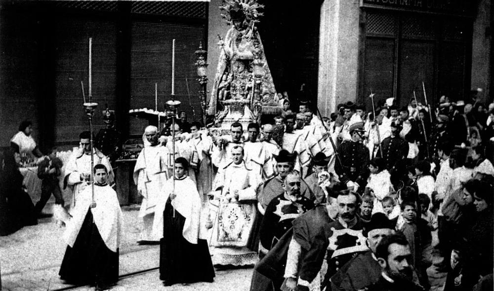 Los nombres del Papa y el Rey