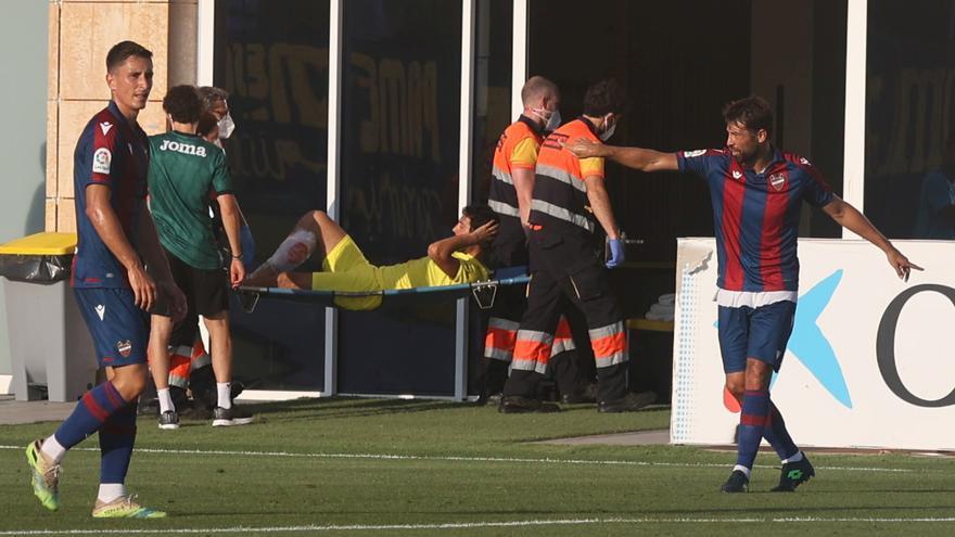 Dani Parejo se retira en camilla