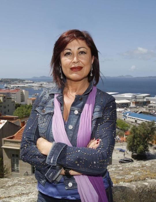 Yolanda Aguiar Castro (PSOE). Licenciada en Derecho, en Filología Inglesa y Máster en Derechos Fundamentales. Es la directora del Proyecto de Candidatura de las Islas Cíes Patrimonio Mundial. Fue directora general del gabinete de presidencia del Parlamento de Galicia.