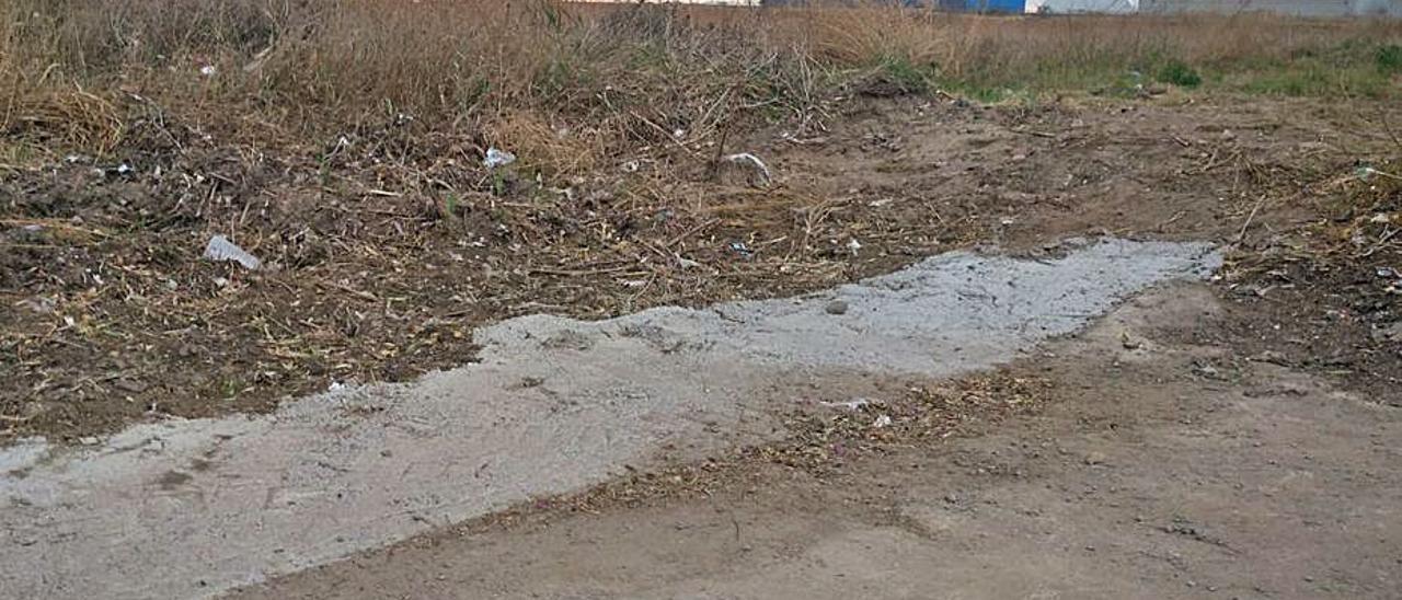 Una de las salidas de agua en el paseo. | LEVANTE-EMV