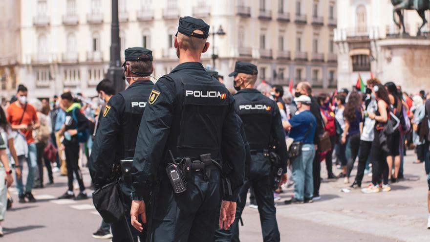 Liberan a una menor retenida y amordazada en un sótano de un local de Madrid