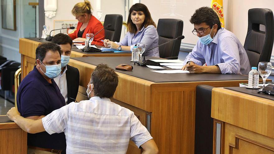 PP y Cs aceleran la tramitación de su plan inversor en la Diputación y la oposición se alía contra el proyecto