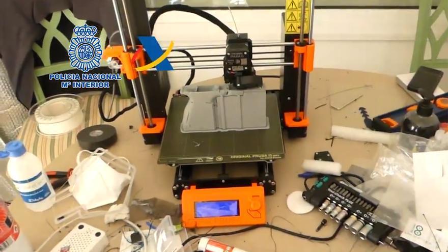 La Policía desmantela el primer taller ilegal de impresión de armas 3D de España