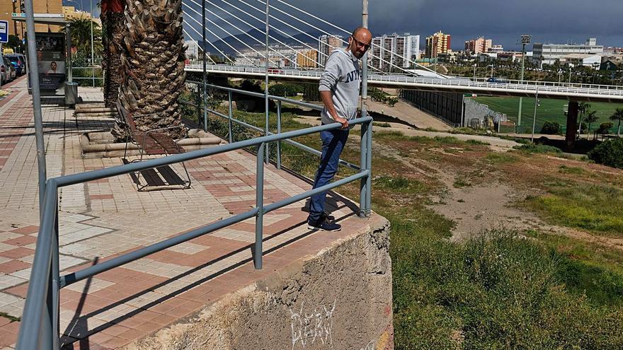 Vecinos de Barrio Atlántico reclaman un acceso al parque de La Ballena