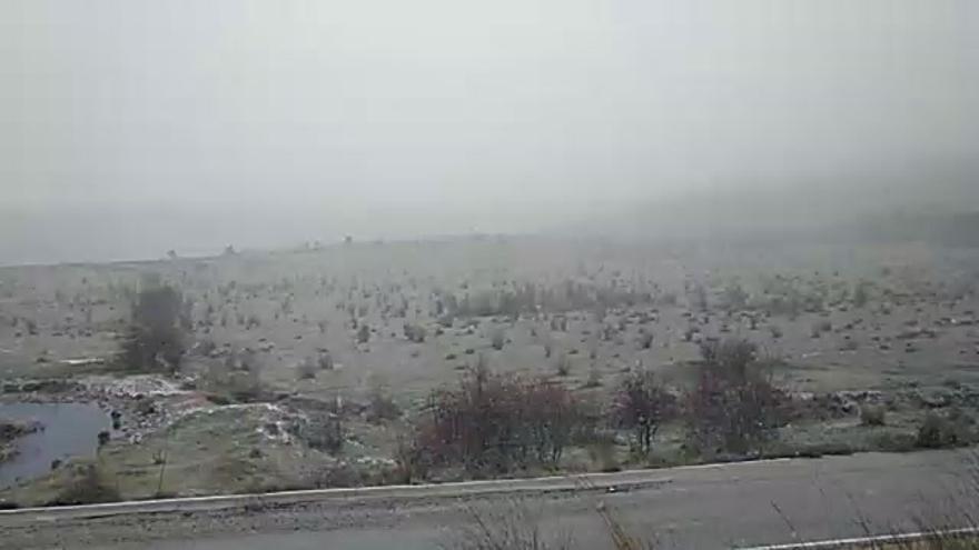 Nieva en el interior de la provincia en el arranque del temporal polar