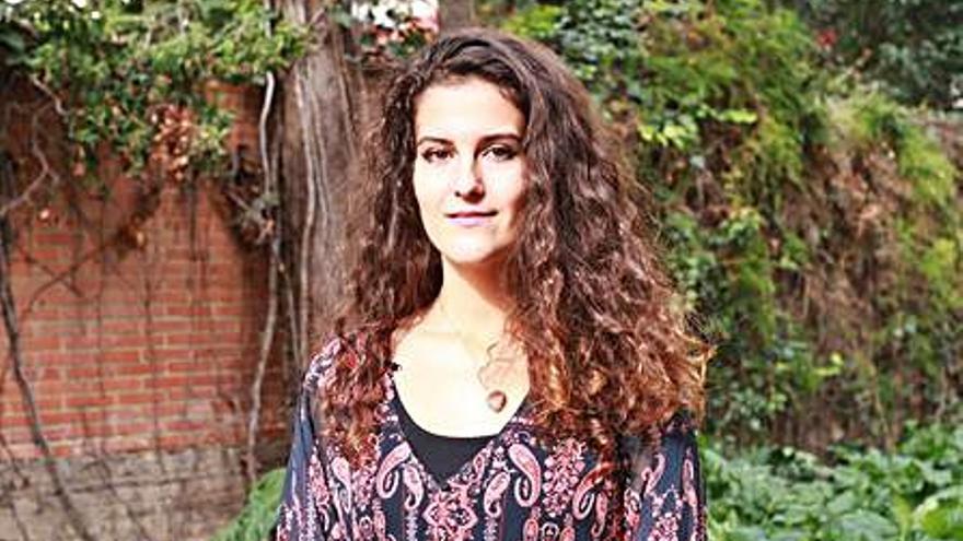 Iria Fariñas presenta su último poemario en El Refugio de Alicante