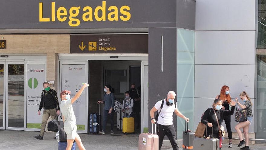 Canarias vetará la admisión a los turistas sin test
