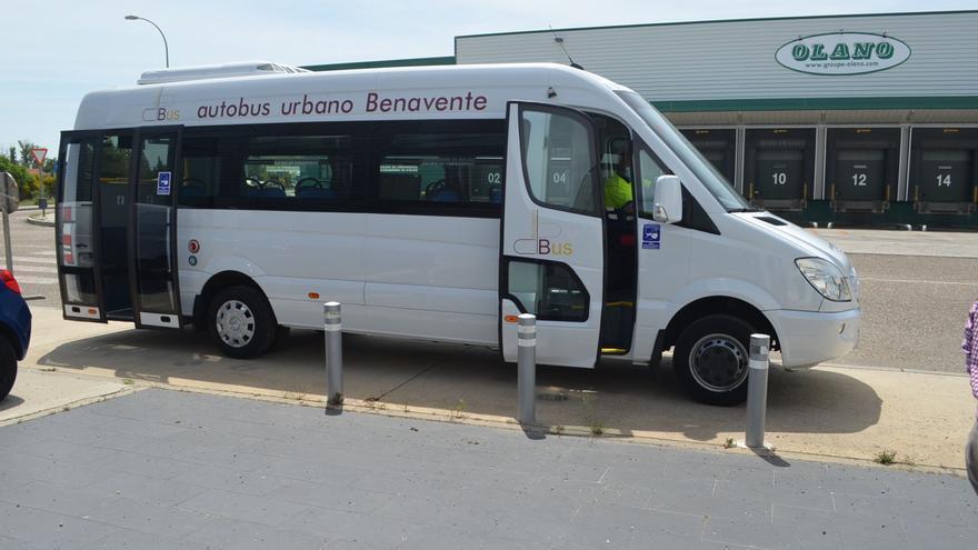 El bus urbano de Benavente hará parada en el vacunódromo del Centro de Negocios hoy