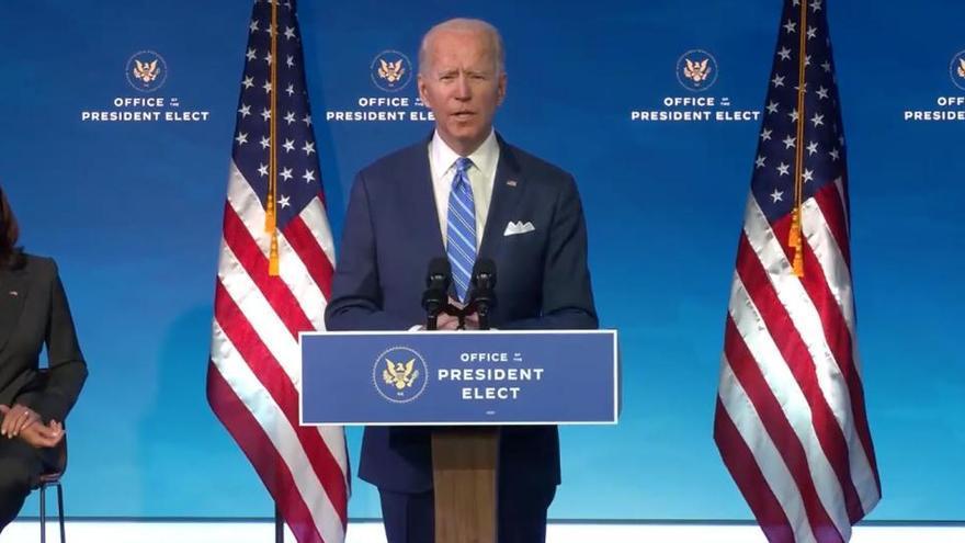 """Biden, sin """"tiempo que perder"""", anuncia un plan para reflotar la economía de EEUU"""