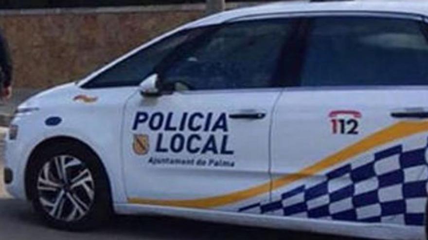 Atacan a botellazos a la Policía Local cuando paralizaba un botellón