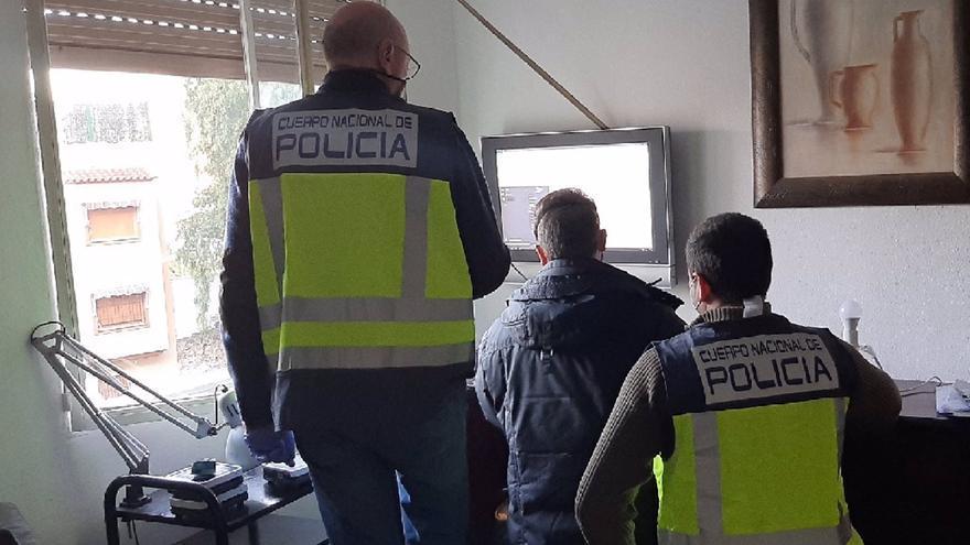 Doce detenidos en Málaga por estafar 700.000 euros a bancos con un fraude en el cobro de recibos