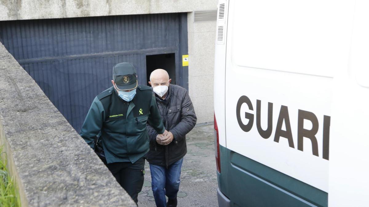 Uno de los detenidos a la salida del juzgado