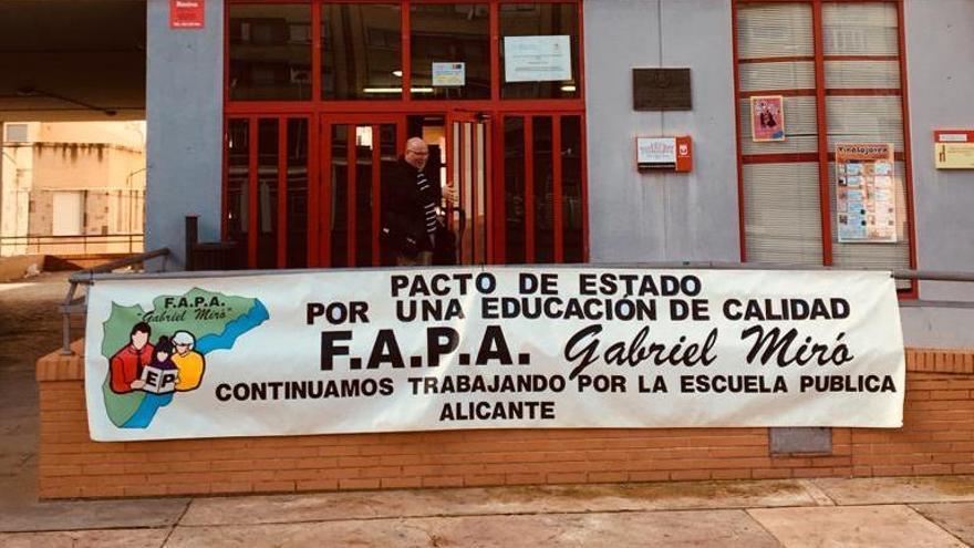 Los padres alicantinos vuelven a la carga contra los deberes escolares