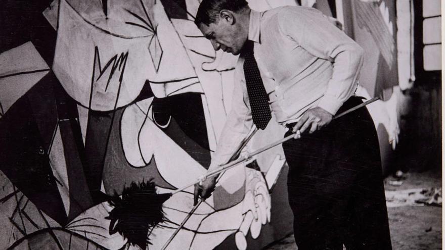 'Picasso. El viaje del 'Guernica' recorre la historia del cuadro en el Siglo XX