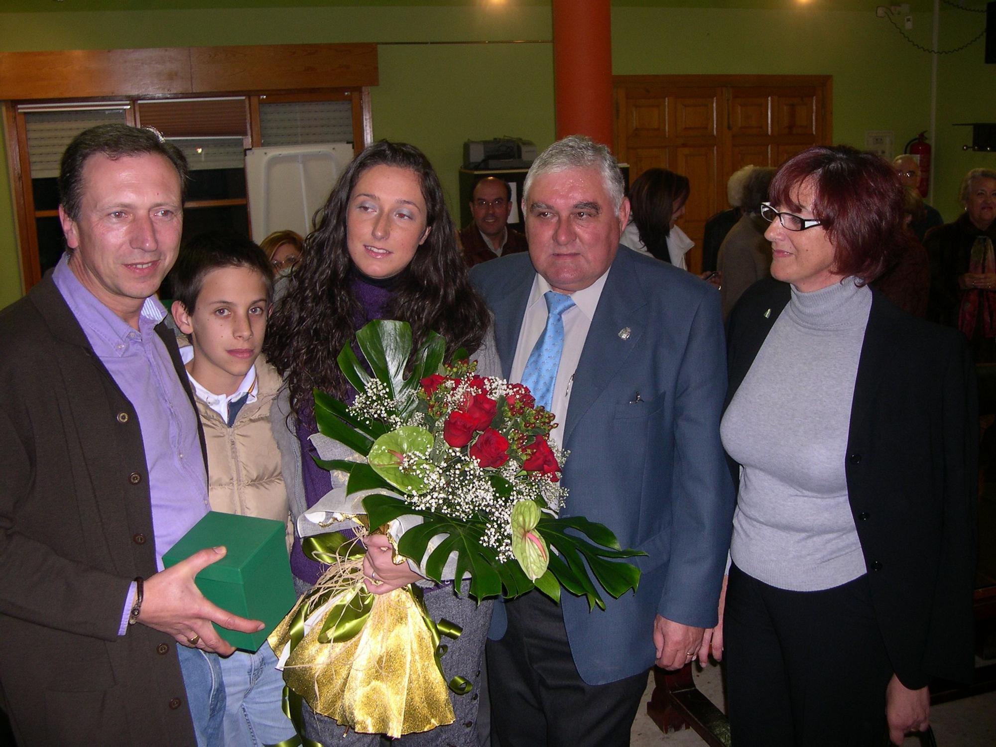 Tatiana recibida por el Ayuntamiento de Arriondas.jpg