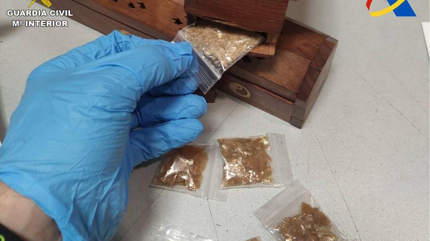 """Interceptan un paquete enviado a Monóvar que contenía la droga """"molécula de Dios"""""""
