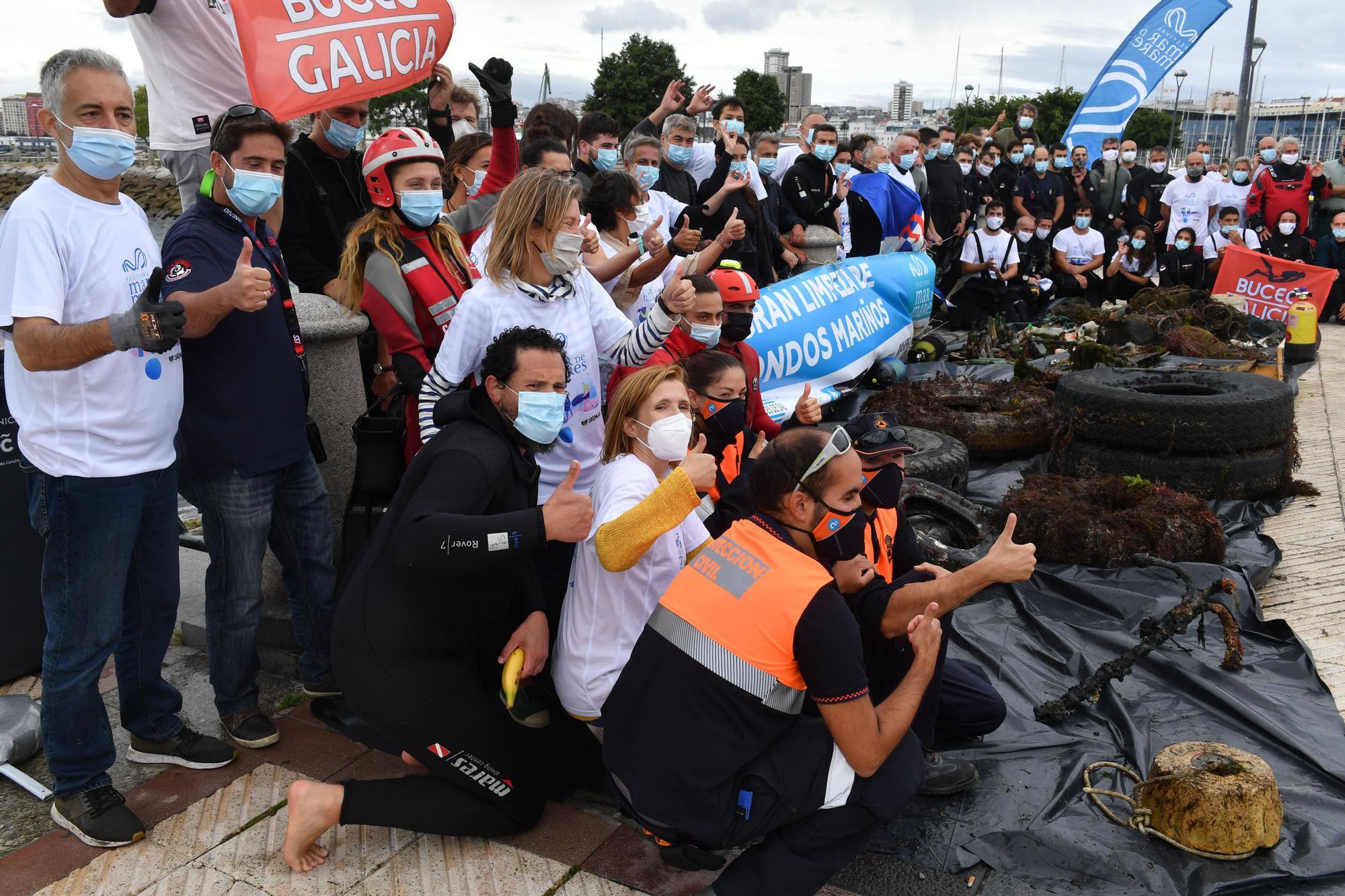 El festival Mar de Mares retira más de dos toneladas de residuos en la segunda gran limpieza del fondo marino en A Coruña