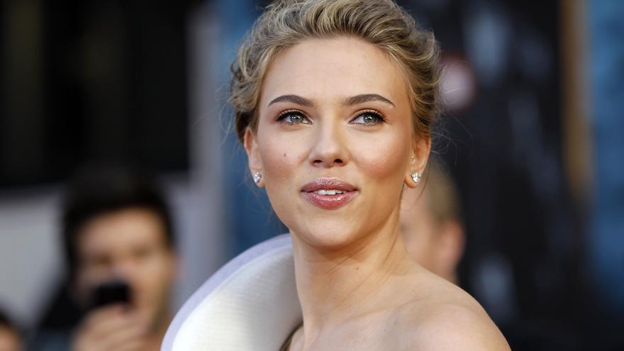 Scarlett Johansson y Colin Jost anuncian el nacimiento de Cosmo, su primer hijo