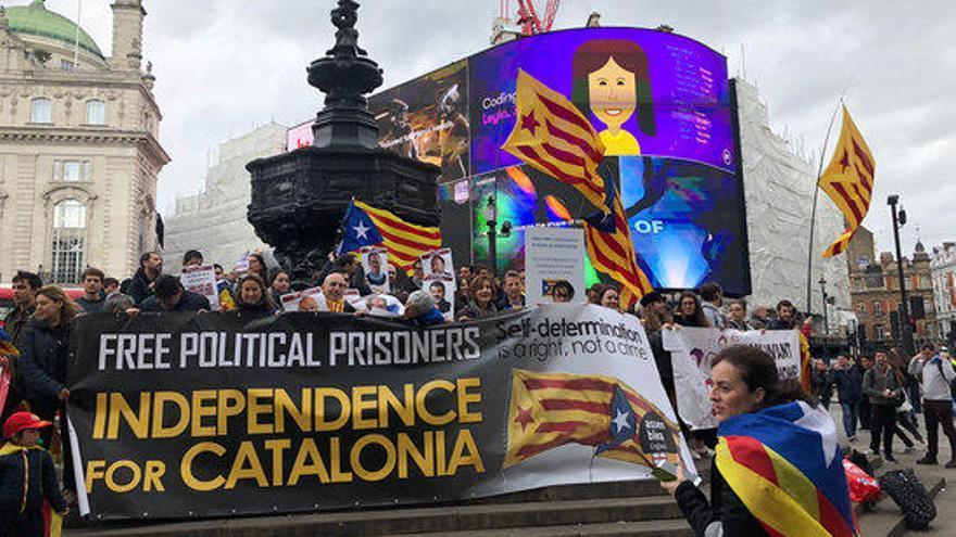 Concentracions d'un centenar de persones a Brussel·les, Londres i Glasgow per rebutjar la sentència