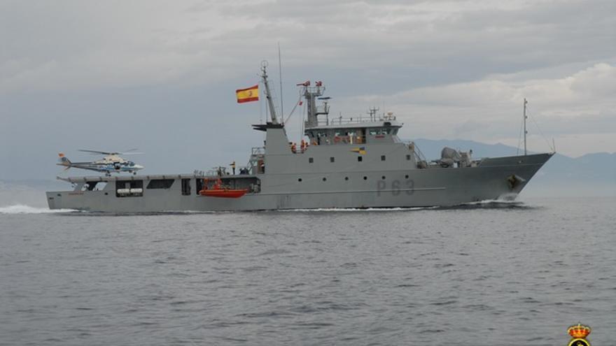 "La Estación Marítima de Vigo se da un ""atracón"" militar"