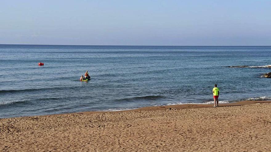 Diez rescates en la costa de Lorca este verano