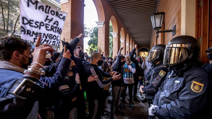 """El Govern acoge con """"respeto"""" una nueva manifestación contra los restricciones"""
