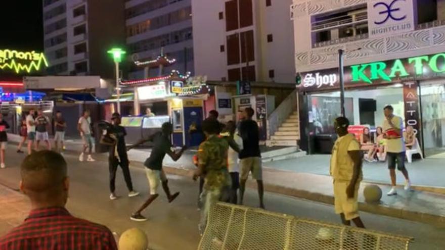 Batalla campal en Magaluf entre vendedores ambulantes