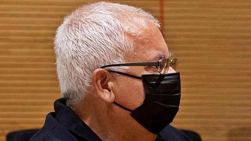 El fotógrafo acusado de pornografía infantil y corrupción de menores.