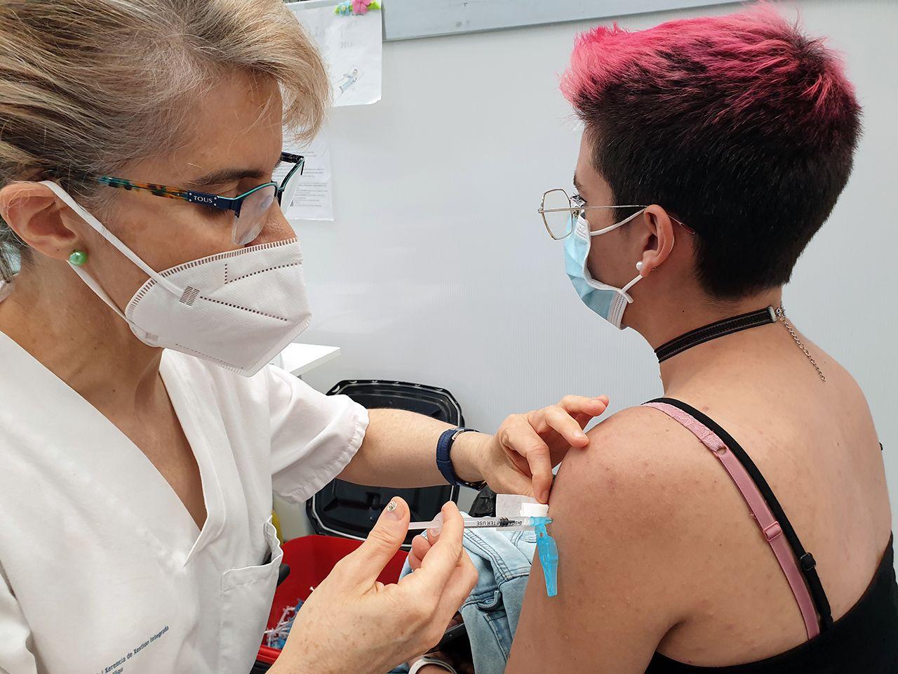 Casi 2.000 menores de veinte años se vacunaron en el Ifevi