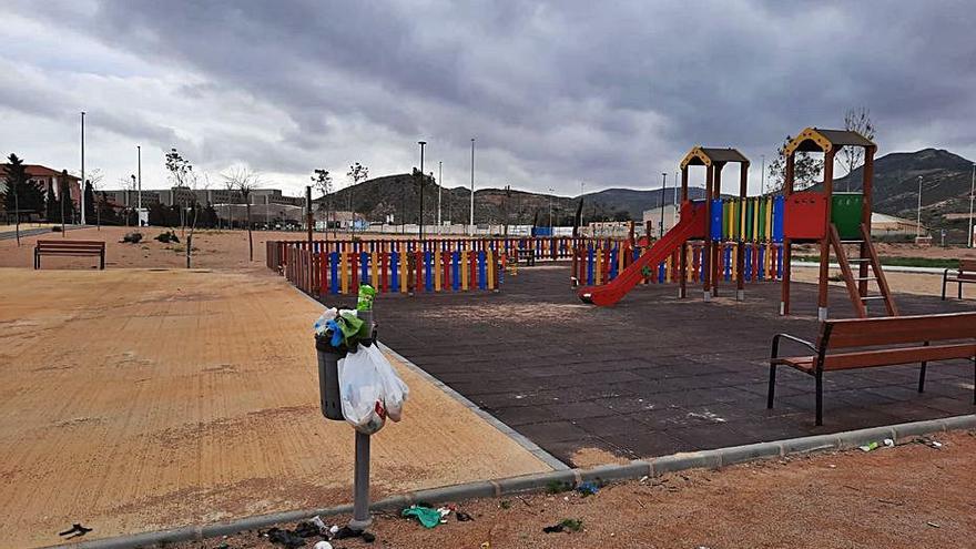 Santa Lucía denuncia que su parque no está incluido en la ruta de limpieza municipal