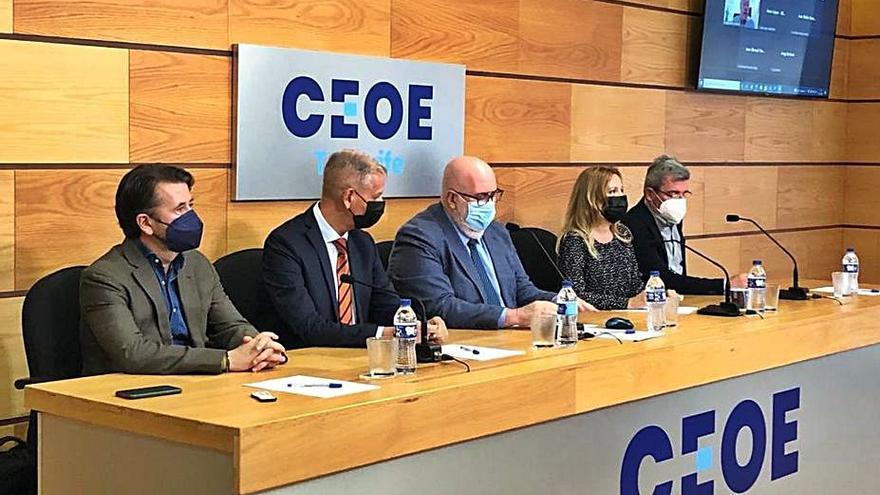 CC transmite a la CEOE que la Isla ha perdido competitividad y liderazgo