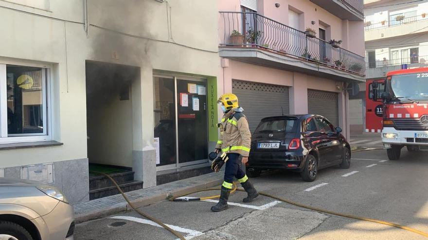 Incendi a Vilobí d'Onyar