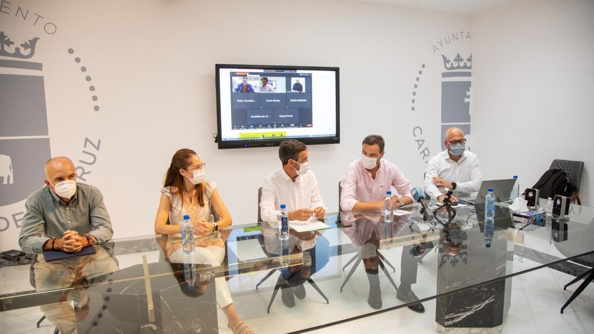Representantes del Instituto de Fomento de la Región, Ayuntamiento de Caravaca y Calzia, en la presentación de la feria ante los medios de comunicación especializados en el sector.