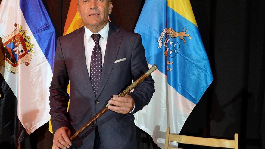 El alcalde de Tinajo se baja el sueldo un 10%