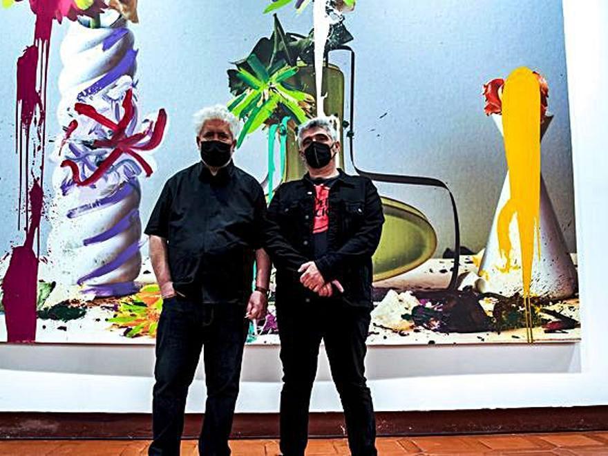 Almodóvar participa en una experiencia pictórica con Jorge Galindo