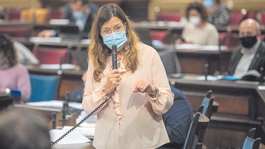 Patricia Gómez achaca el retraso en los cribajes del cáncer de mama a la salida de dos enfermeras