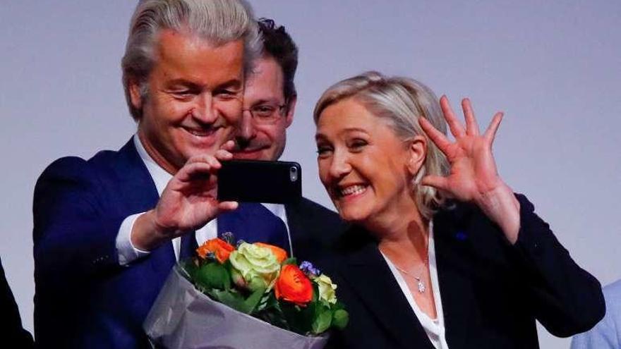 El xebófobo Geert Wilders destituye a un candidato por ser de extrema derecha