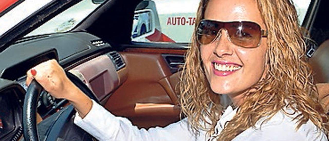 La taxista en el Sur de la Isla desde hace cinco años, Vanesa Pérez.