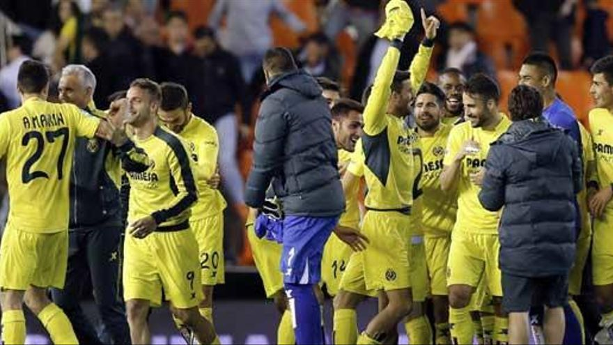 El Villarreal se asegura la cuarta plaza ante un gris Valencia
