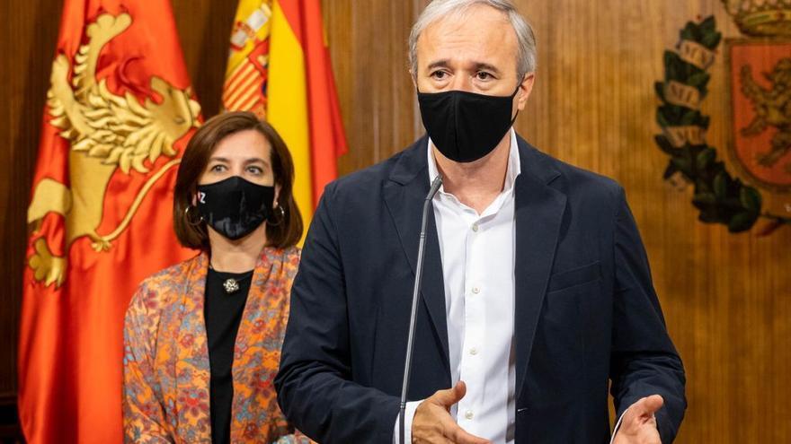"""Azcón califica de """"desbarajuste jurídico"""" la situación que vive Aragón ante la nueva ola de covid"""