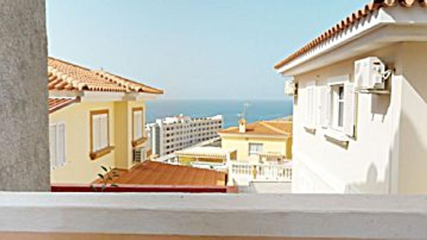 1.100 € Alquiler de casa en Arguineguín (Mogán) 200 m2, 2 habitaciones, 1 baño, 6 €/m2...
